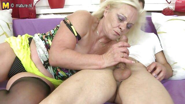 Ebony film porno vintage en français avec une grosse bite et sa copine aux gros seins